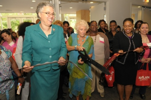 Cook County Board President Toni Preckwinkle opening the Exhibit Hall with WBDC co-president Hedy Ratner (w/ scissors)